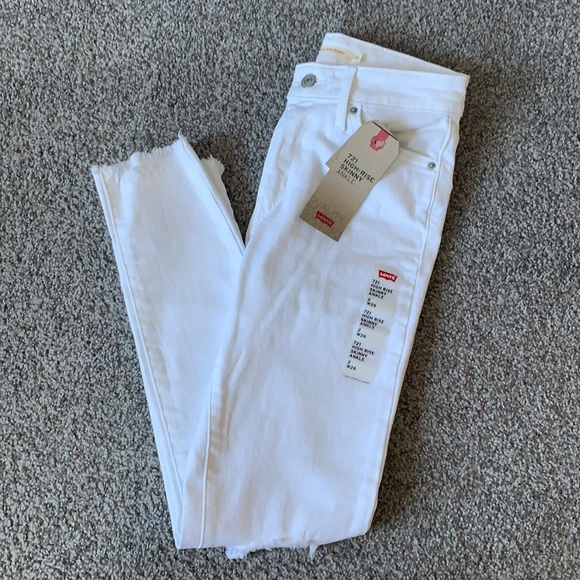 New with tags Levi 721 high rise skinny jeans